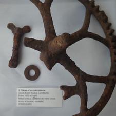 3 pièces d'un mécanisme
