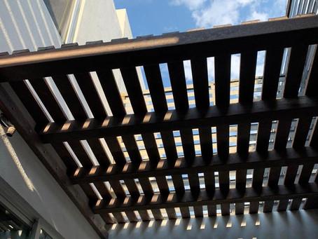 Pérgola para exterior fabricada de madera plástica ♻️Medidas y diseños personalizados para todo tip