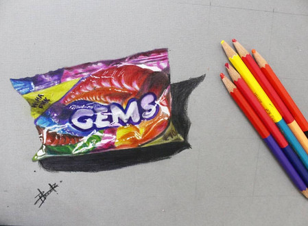 How to Draw Realistic Objects using Color Pencils ?