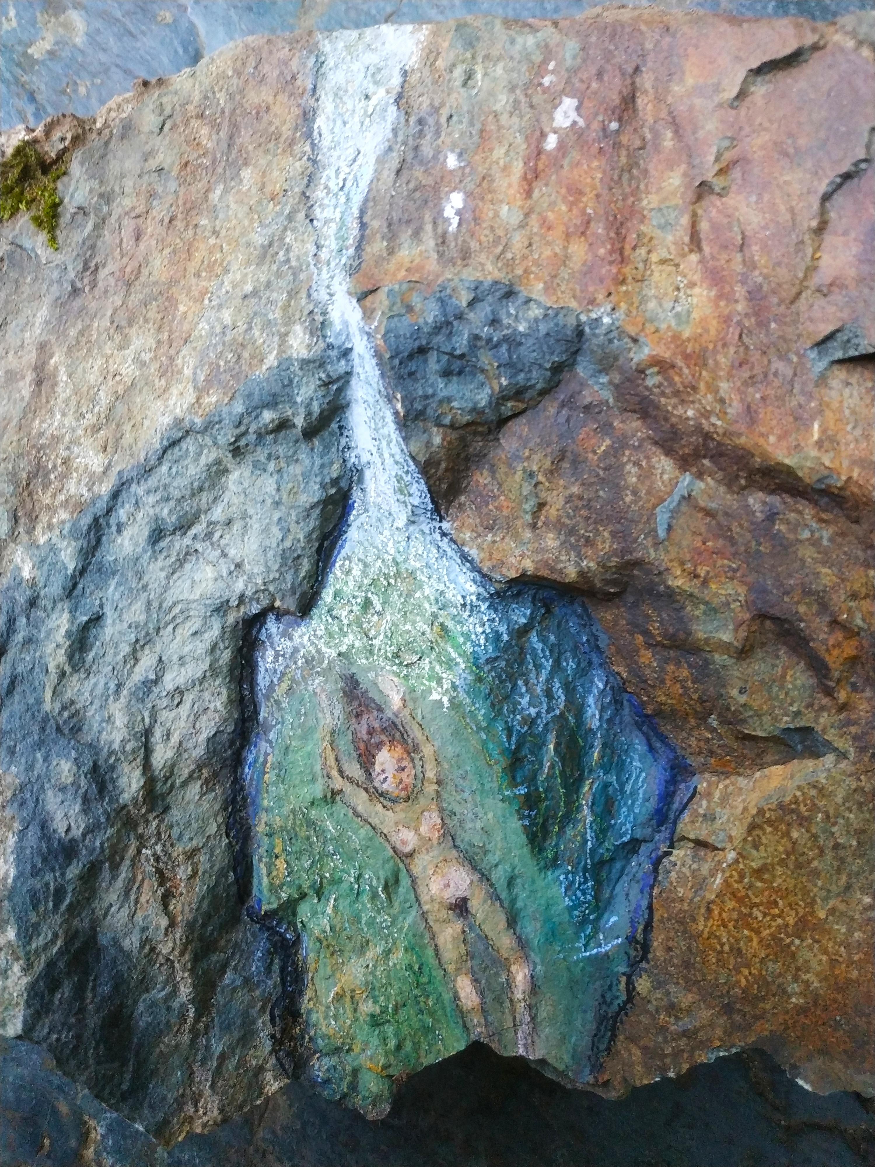 אשה בנחל- ציור על אבן ביוון