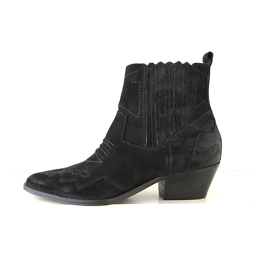 Julie Dee - Boots