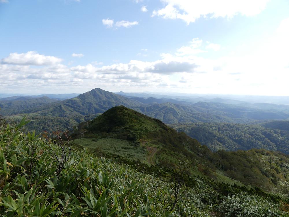 見えるはペンケ山