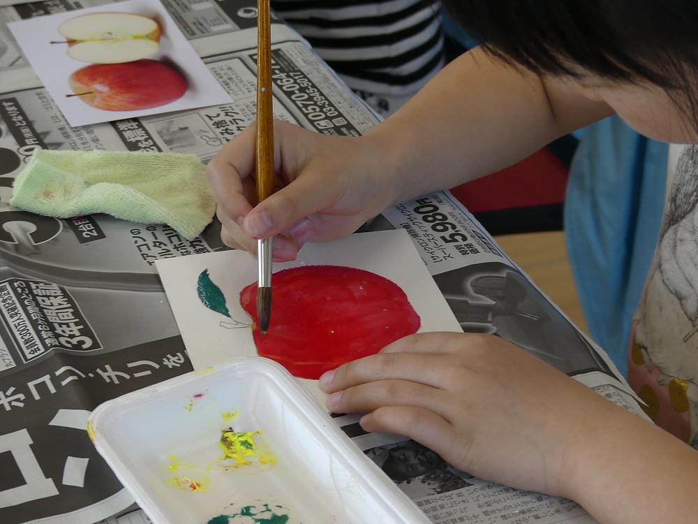 リンゴを塗ります