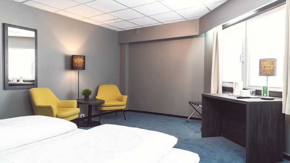 sure_hotel_017.jpg