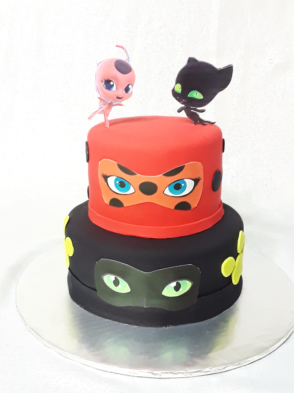 Custom Heroes cake
