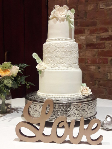 Wedding floral Cake7_edited.jpg