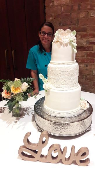 Custom Wedding floral cake in Dallas-Fort Worth.