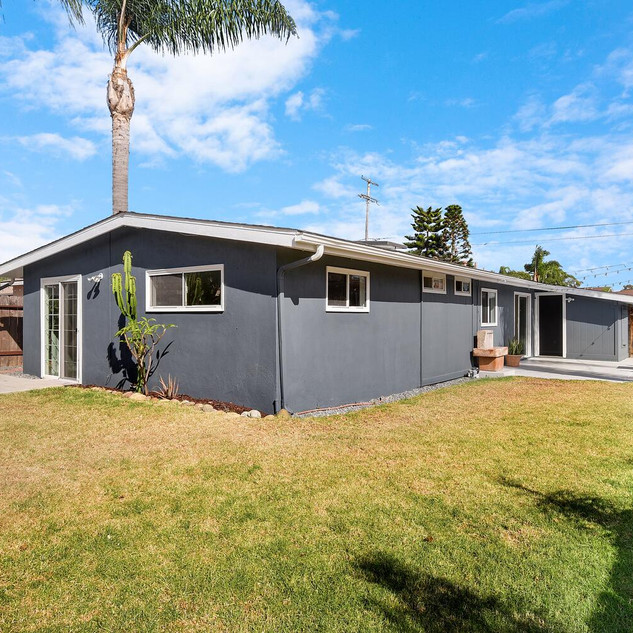523 Garfield St Oceanside CA-large-027-0