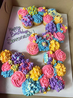 Cupcake number cake 🧁 #sweetsbyjazz #cu