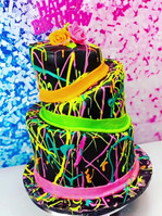 #TopsyTurvy Neon Cake! #sweetsbyjazz #bi