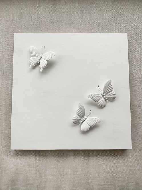 "White Butterfly 18""x18"" Square"