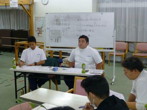 定期的に社内勉強会を開催