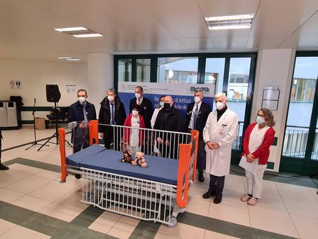 Bimbo Tu consegna i lettini alla pediatria dell'ospedale Maggiore di Bologna