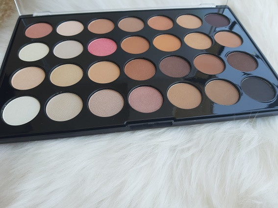 bh nutral 28 eyeshadow palette.