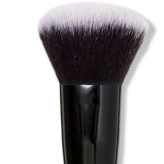 e.l.f selfie ready blurring brush
