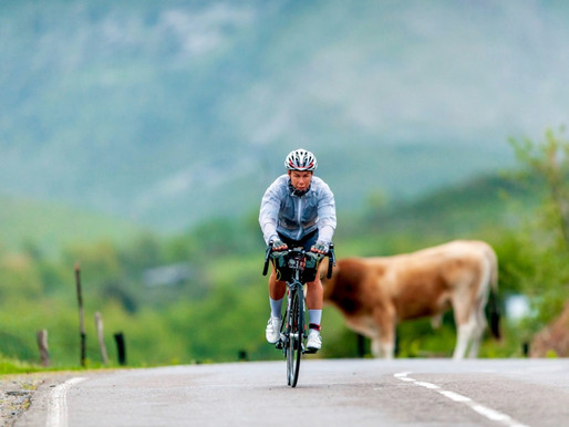 The BikingWomen of Corsica: Helle Bachofen von Echt