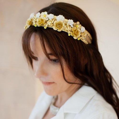 Jewelled headband.Gold and white roses.