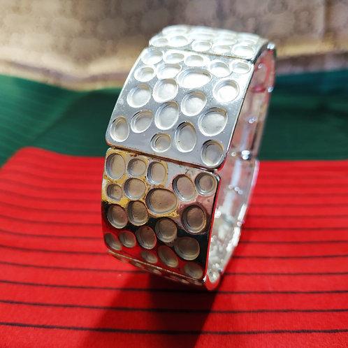 Snap on Honeycomb Bracelet. Charming so elegant .