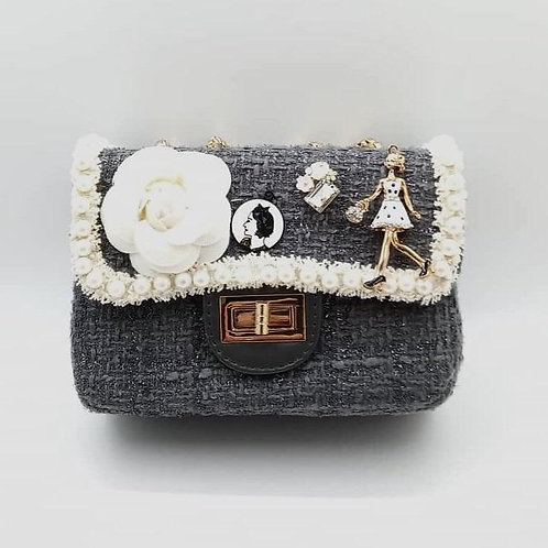 Grey Cute tweed bag with hand and shoulder gold chain.