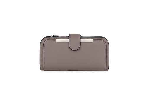 Classic versatile Purse / Wallet in Faux leather in Light Grey.