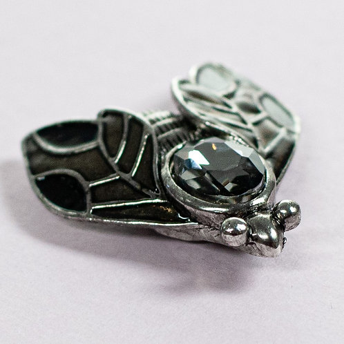 Cool magnetic Wasp brooch with in Anthracite and silver.