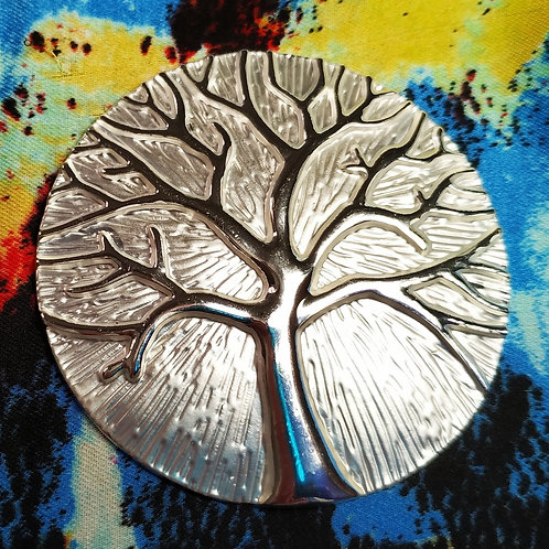 Cool magnetic Tree of life brooch with in Silver on matt silver.