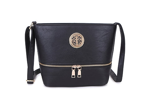 Elegant Designer Faux Leather Shoulder / Crossbody Bag in Black.