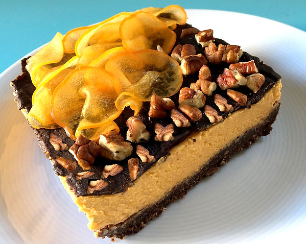 caki and pecan nuts cake 2.jpg