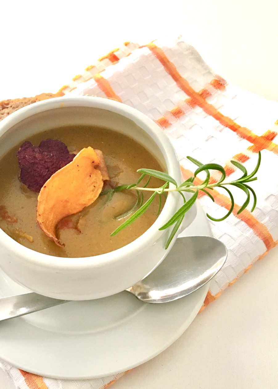 ZUPPA SPEZIATA DI CAROTE E LENTICCHIE ROSSE / SPICY CARROT AND RED LENTIL SOUP