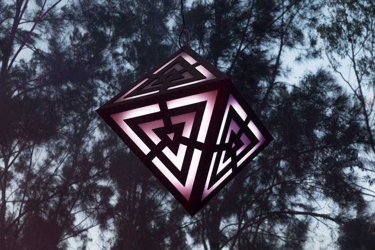 LED-sculpture-design-octohedron