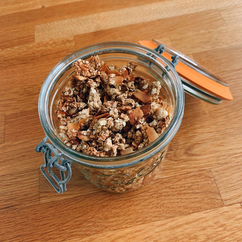 Granola Crunchy-Coco sain, rapide et facile