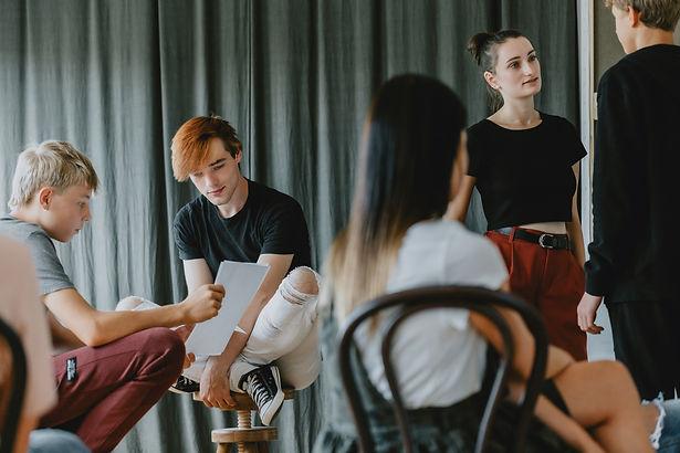 teenagers-in-theatre-club-B95ZJNR.jpg