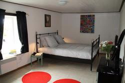 Chambre grand lit double la Noyeraie