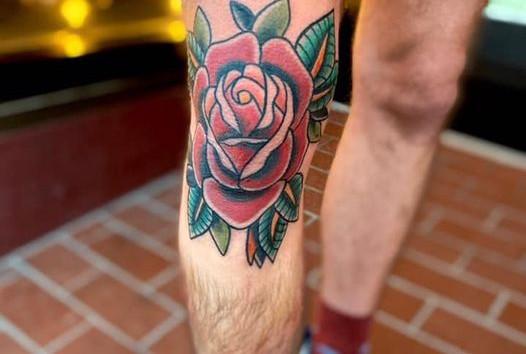 ashleigh rose knee.jpg