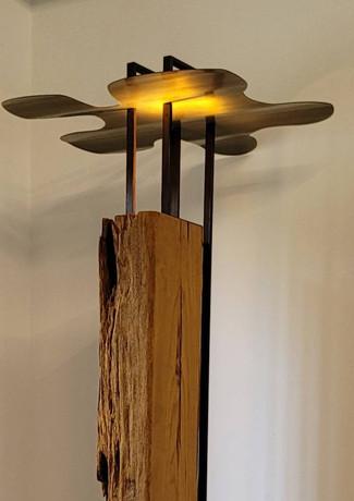 立燈  H:230cm x W:70cm x L:70cm  木雕+銅板+鐵件