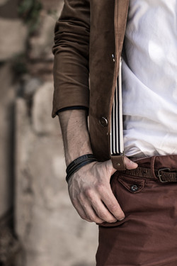 bijoux-homme-bracelet-en-cuir-grave