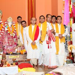 Various Hindu Priests from Ontario