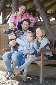 Melanie Engel mit Familie vom Ingenhof in Malente