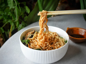 Simple Vegan Chinese Noodles (Lo Mein) Recipe (Quick to Prepare & Delicious) | Delia.v Life