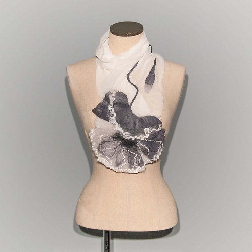 Foulard Coquelicot Monochromatic poppy on white chiffon