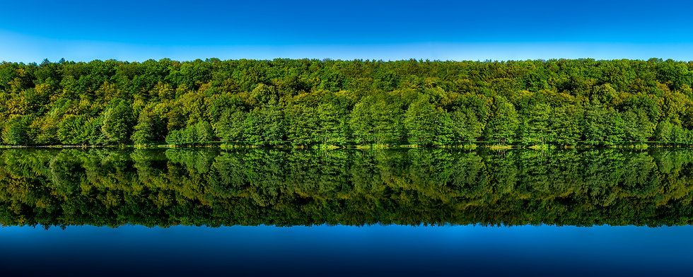 Symmetrische Landschaft
