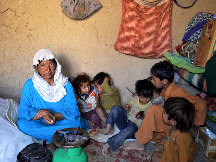 Borderless Issues: The Role of Mothers in Conflict