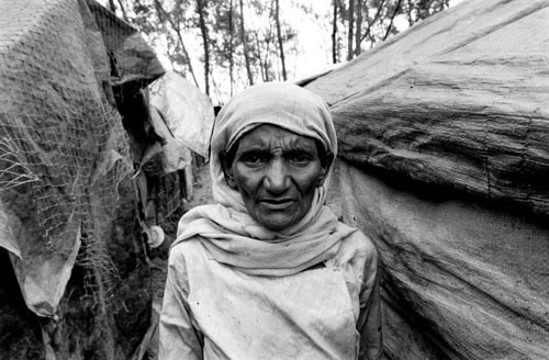 Rohingya woman in refugee camp in Bangladesh. / Creative commons.