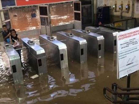 Circulação dos trens na Linha 10 da CPTM é interrompida no ABC.
