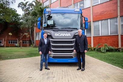 Novo centro logístico da Scania vai gerar 400 vagas de empregos.