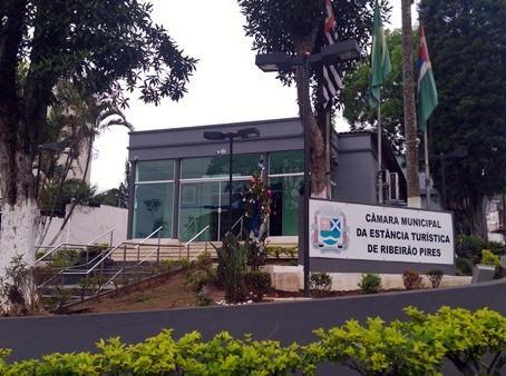 Câmara de Ribeirão Pires abre concurso público,com salários  de até R$ 7.553,08.