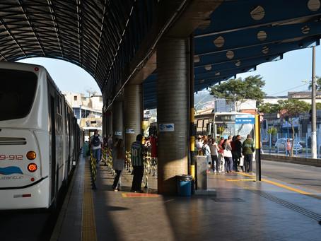 Mãe é impedida de amamentar em terminal rodoviário de Santo André.