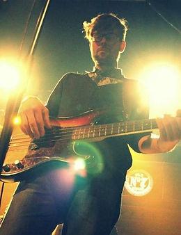 Basgitarist Ronald Maas