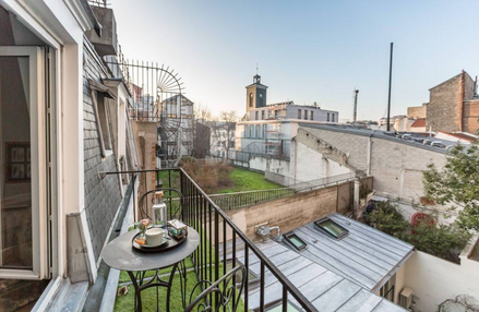 lodging-balcony
