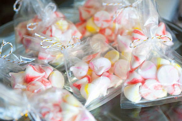Meringue Kisses - 12 pieces per bag
